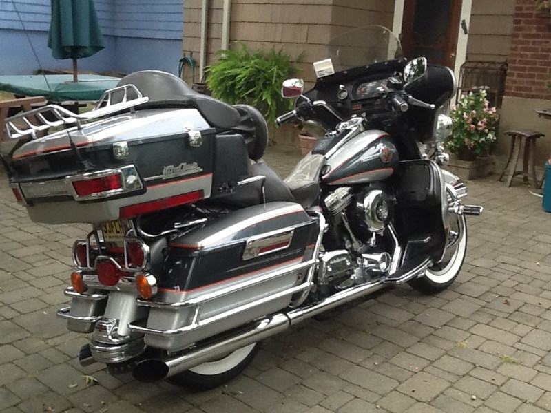 Photo of a 1993 Harley-Davidson® FLHTCU/I Electra Glide® Ultra Classic®