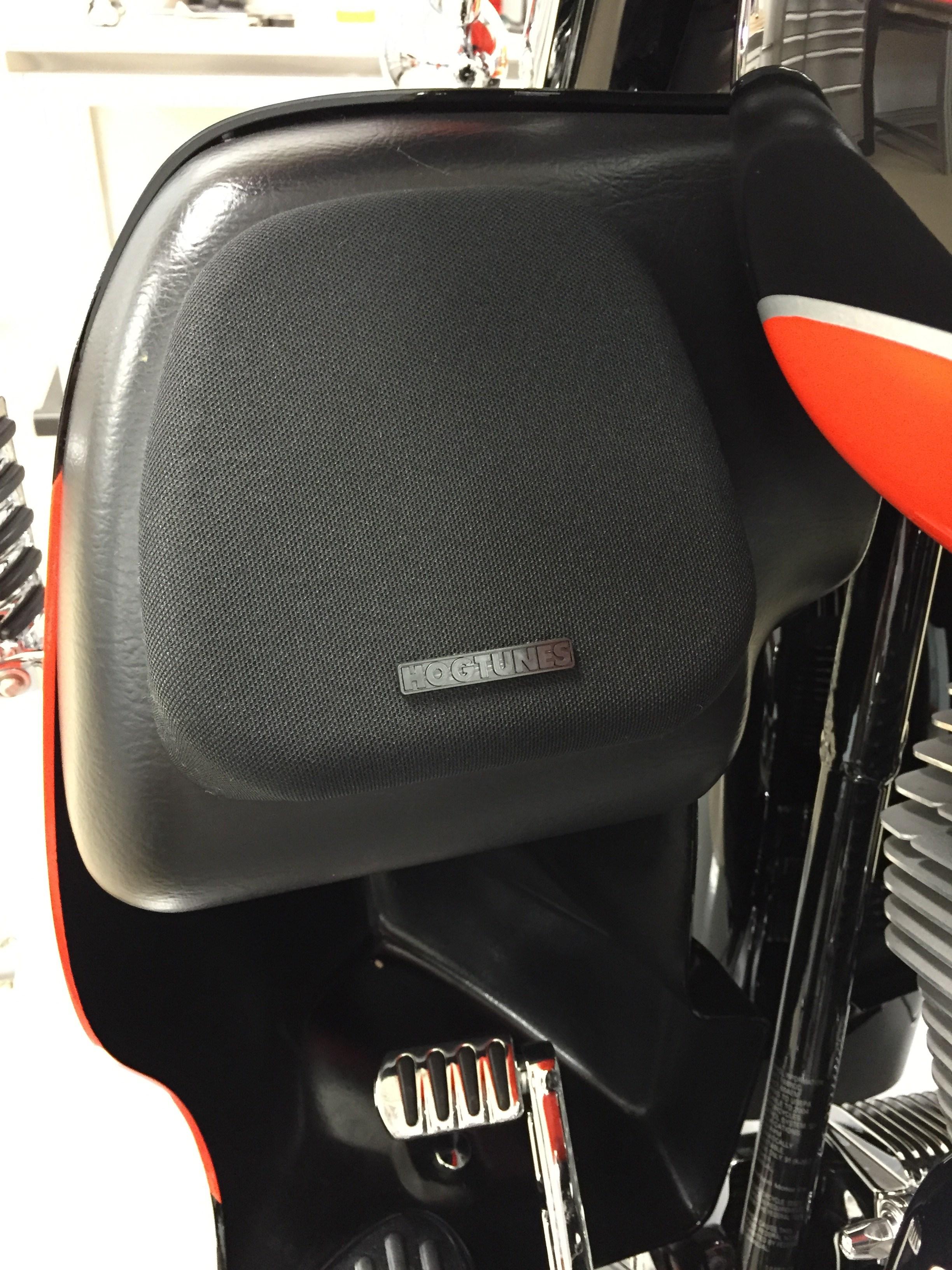 Used Harley Davidson Wheels >> 2004 Harley-Davidson® FLHTCSE Screamin' Eagle® Electra ...