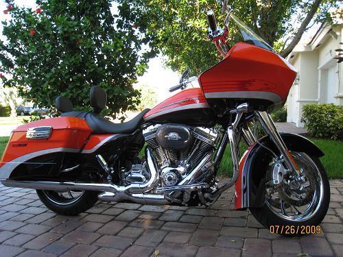 2009 Harley-Davidson® FLTRSE3 CVO™ Road Glide®