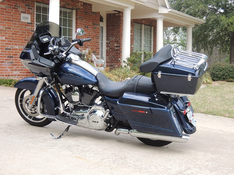 Photo of a 2012 Harley-Davidson® FLTRX Road Glide® Custom