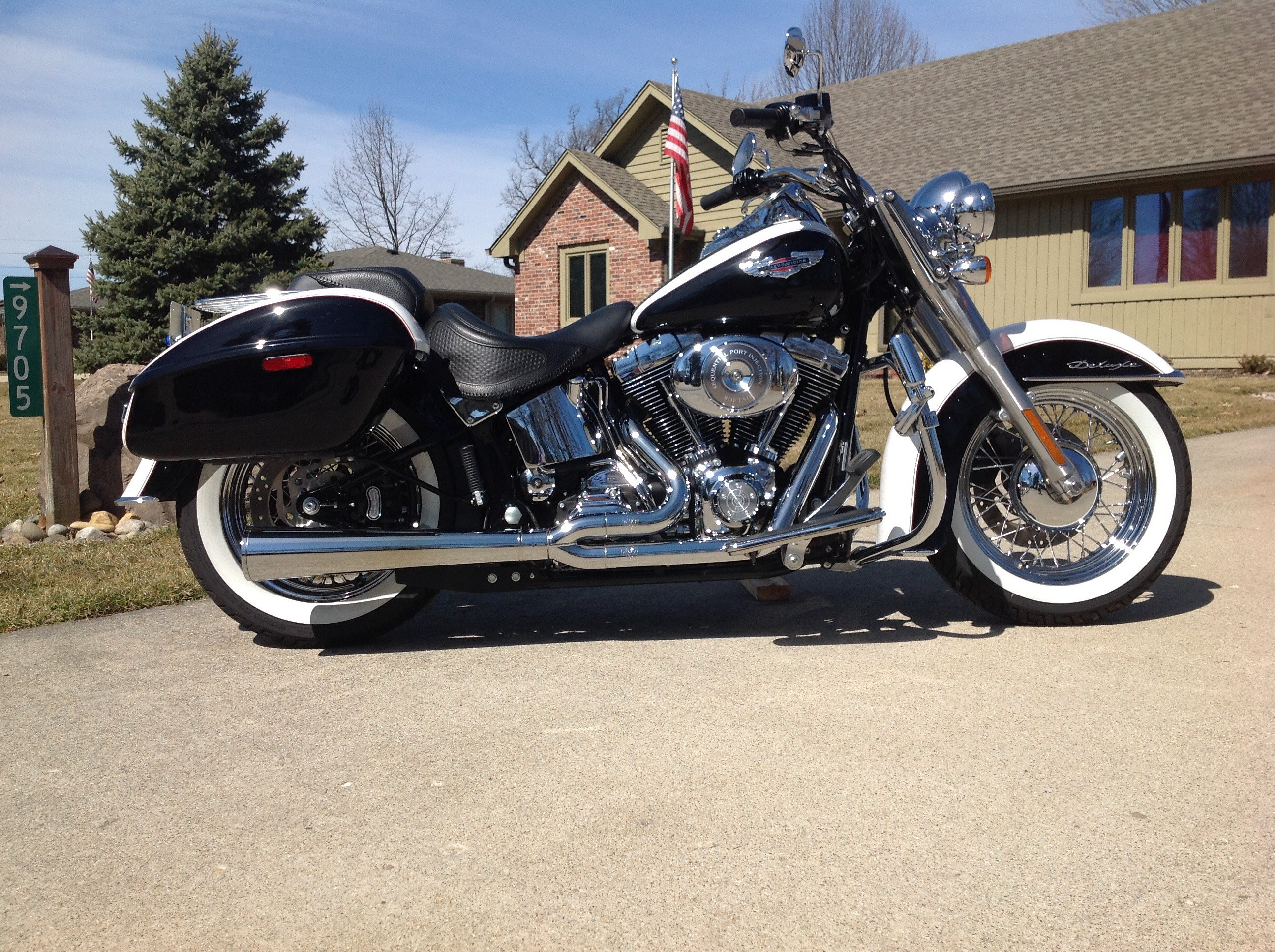 Softail deluxe owner Manual