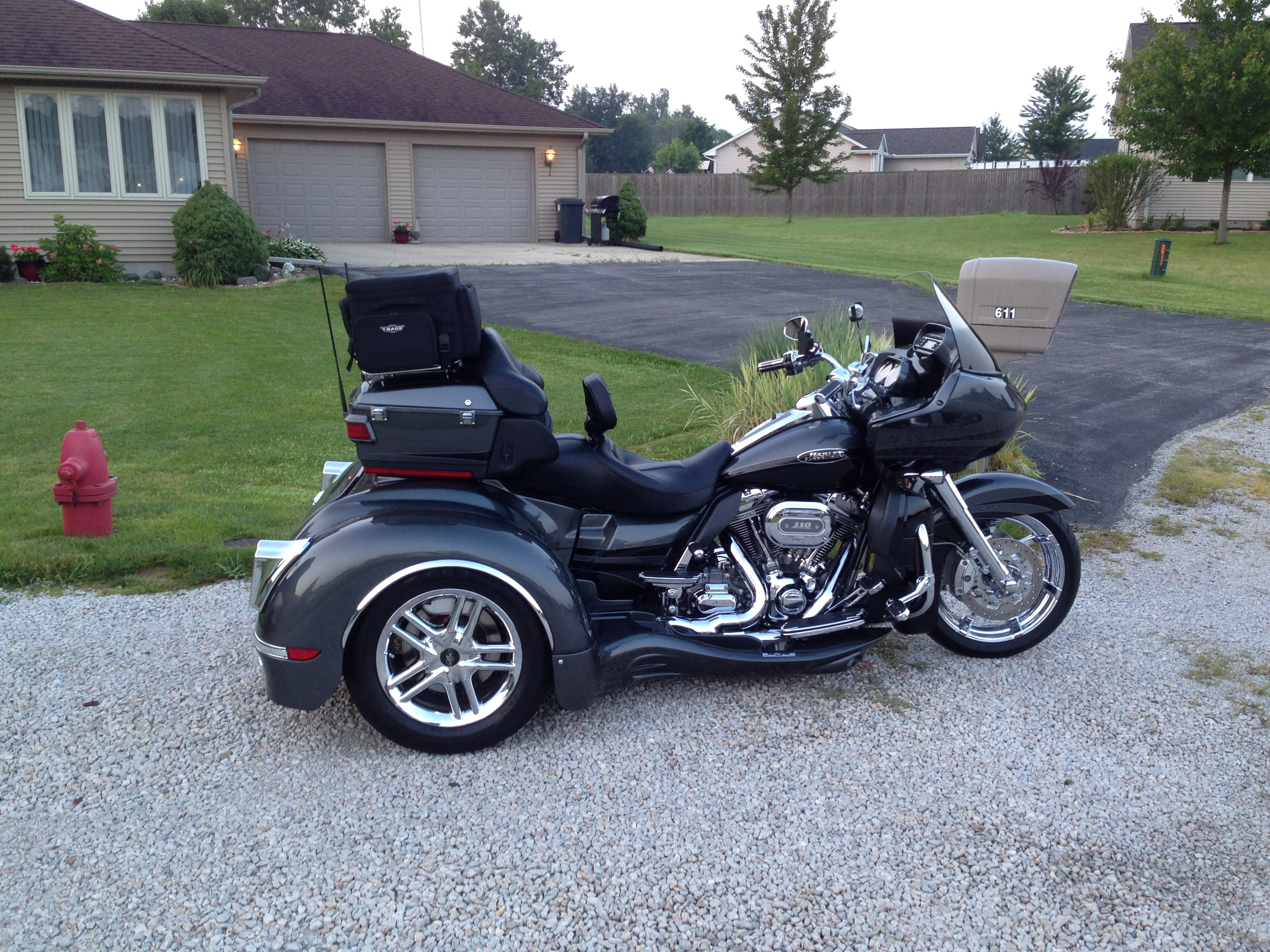 all new used harley davidson trikes 755 bikes page 1. Black Bedroom Furniture Sets. Home Design Ideas