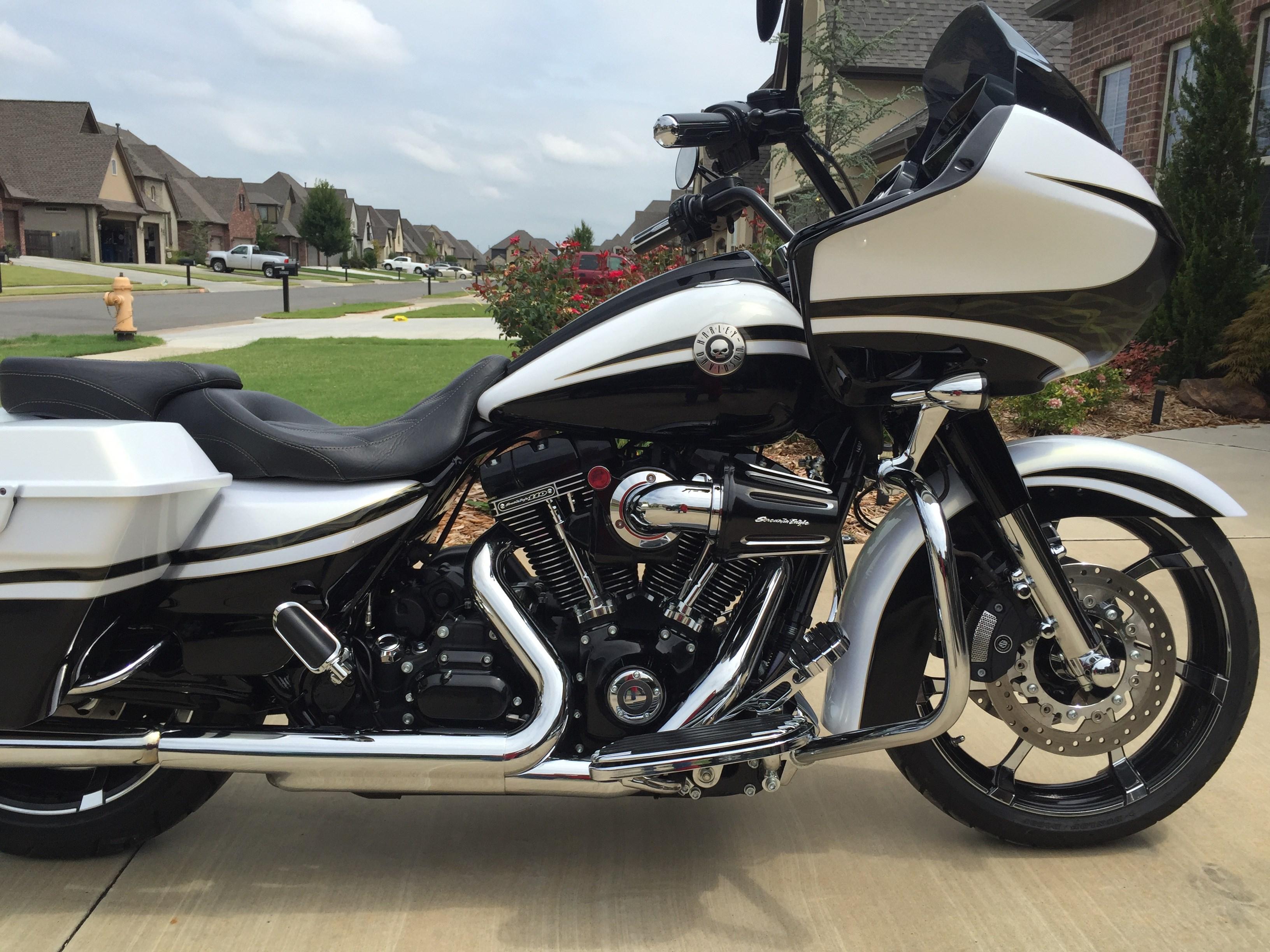Harley Cvo Motorcycles For Sale Woodstock Ga >> 2012 Harley-Davidson® FLTRXSE CVO™ Road Glide® Custom (Black/White), Tulsa, Oklahoma (593050 ...