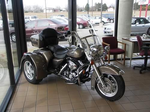 2004 Harley-Davidson® FLHRCI Road King® Classic