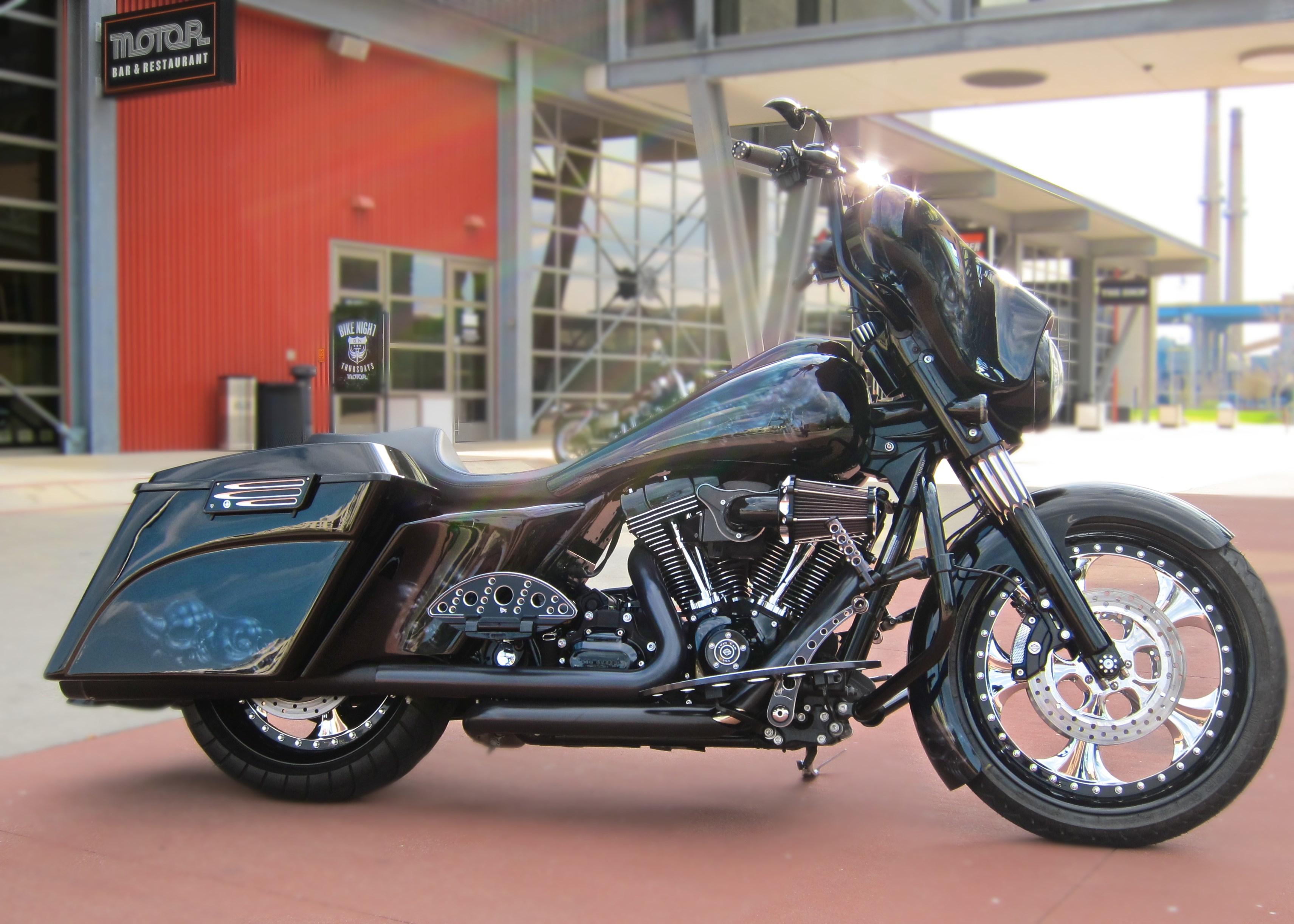 2009 Harley-Davidson® FLHX Street Glide® (Black ...