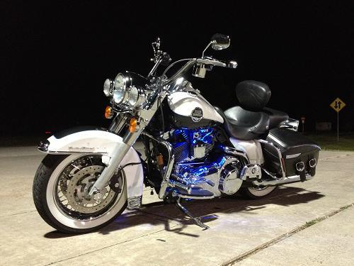 2008 Harley-Davidson® FLHRC/I Road King® Classic (Two-Tone ...
