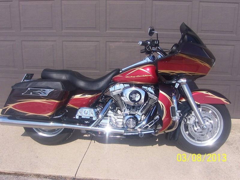 Photo of a 2005 Harley-Davidson® FLTRI Road Glide®