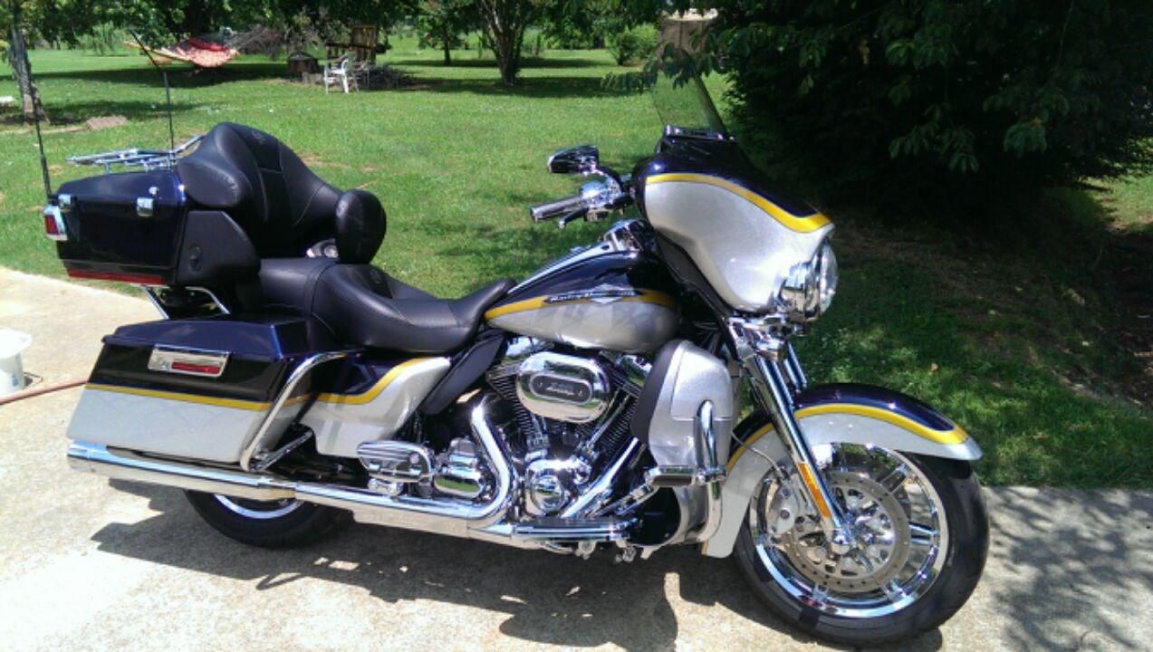 2012 Harley Davidson 174 Flhtcuse7 Cvo Ultra Classic