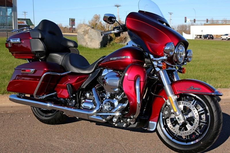 Photo Of A 2016 Harley DavidsonR FLHTKL Electra GlideR Ultra LimitedR Low