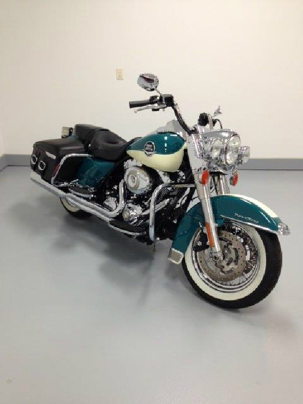 Used Tires Tampa >> 2009 Harley-Davidson® FLHR Road King® (teal/cream), Northfield, Minnesota (448939) | ChopperExchange