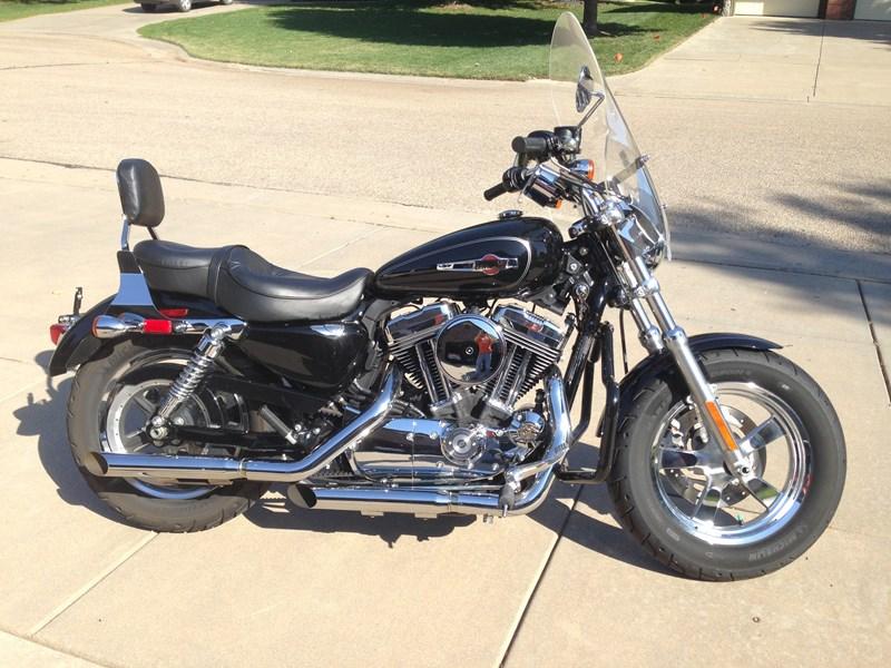 Harley Davidson: 2013 Harley-Davidson® XL1200C Sportster® 1200 Custom
