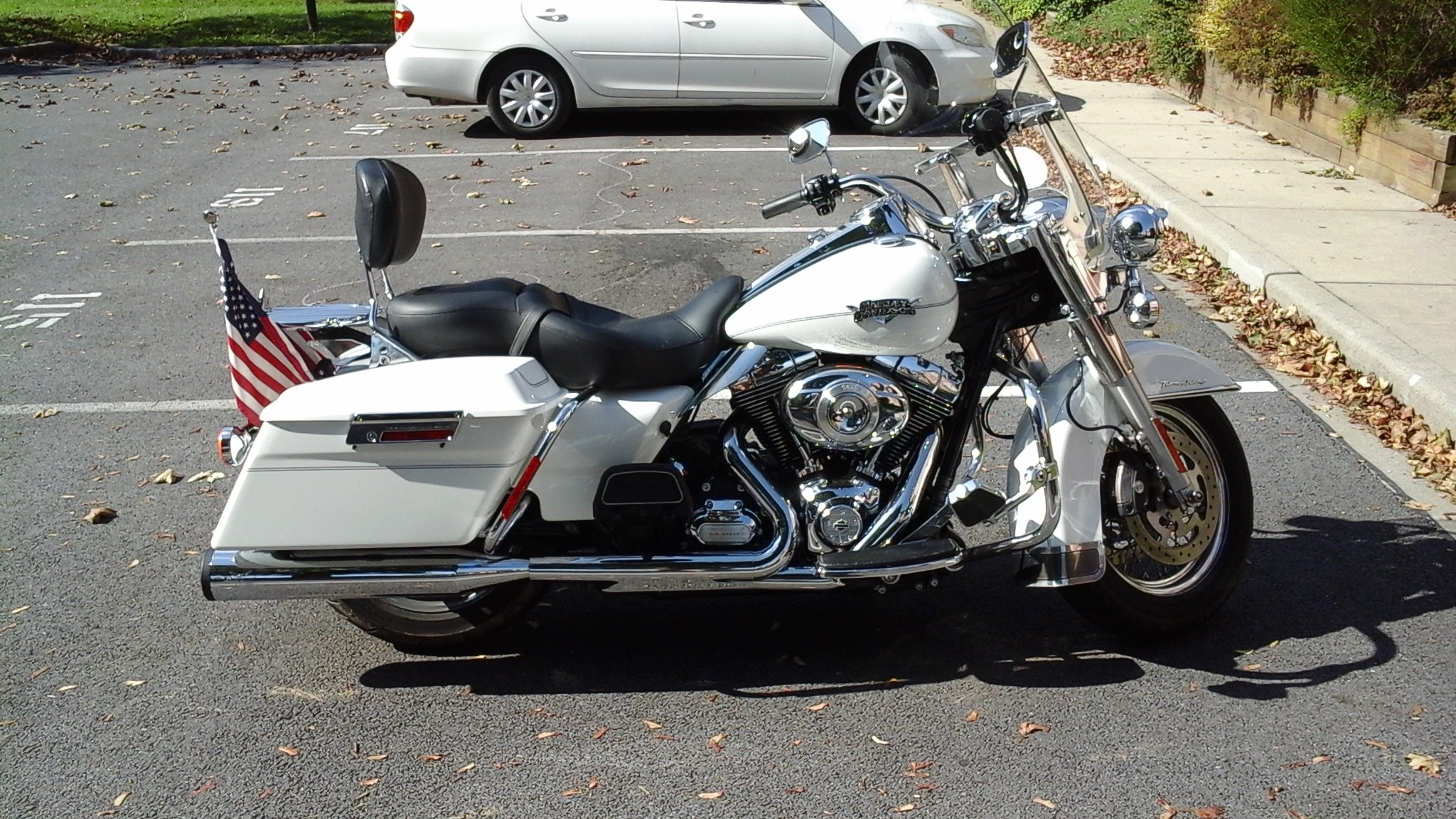Used Harley Davidson Motorcycles For Sale San Marcos Ca >> 2013 Harley-Davidson® FLHRC/I Road King® Classic (Pearl White), Walkersville, Maryland (675073 ...