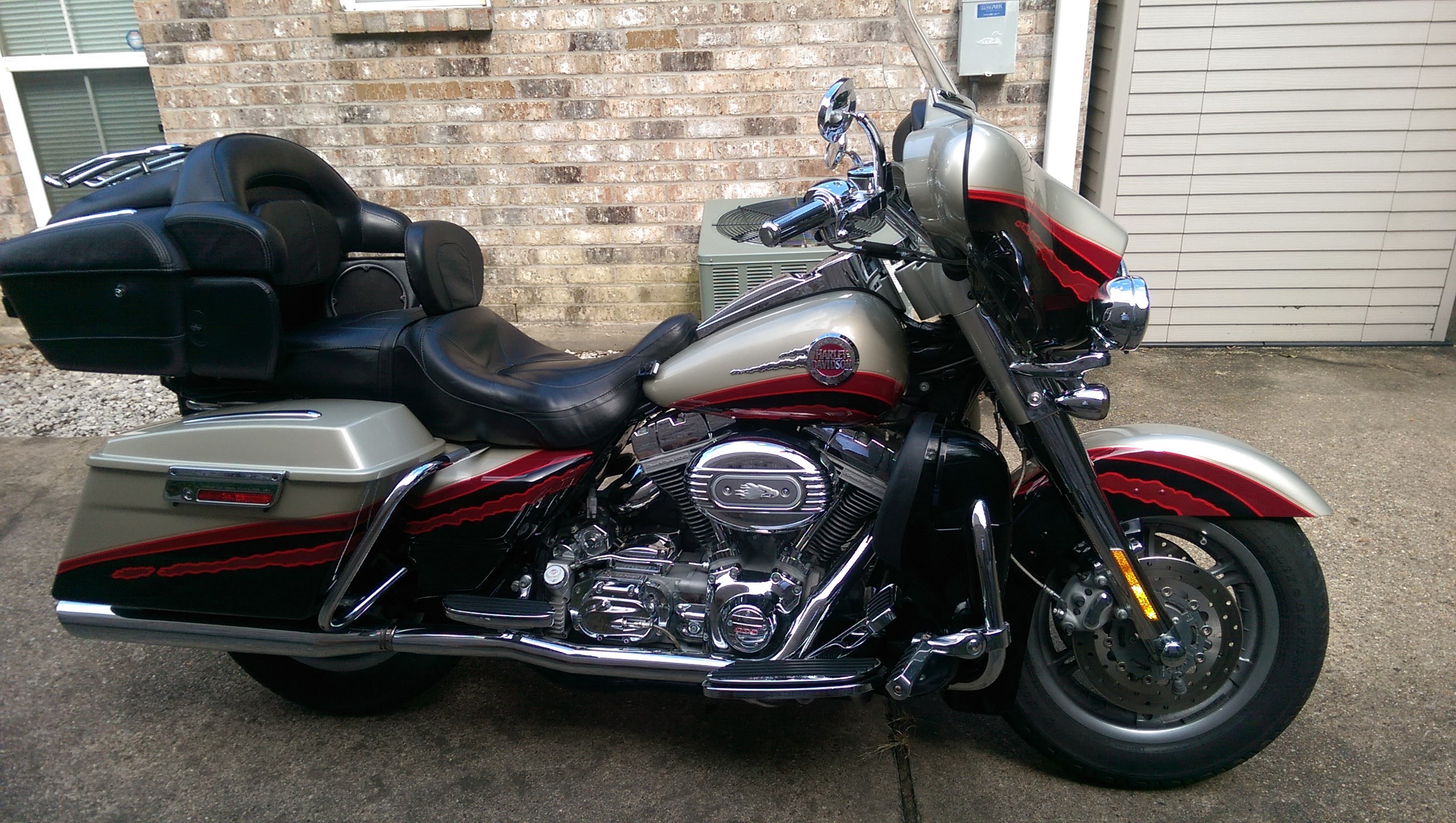 all new used harley davidson cvo ultra classic electra. Black Bedroom Furniture Sets. Home Design Ideas