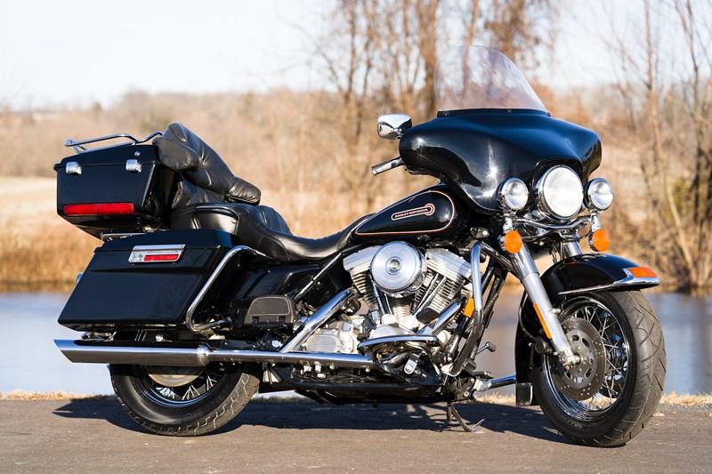 Photo of a 1998 Harley-Davidson® FLHT Electra Glide® Standard