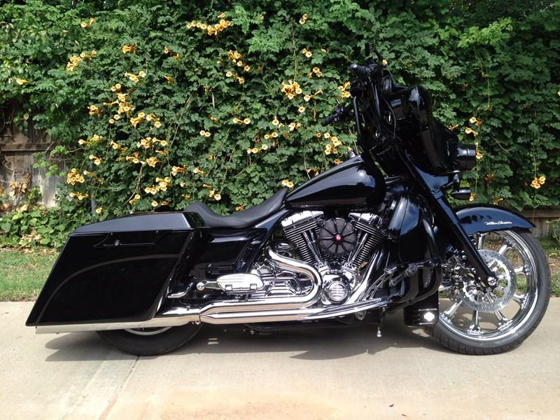 Photo of a 2001 Harley-Davidson® FLHTCU/I Ultra Classic® Electra Glide®