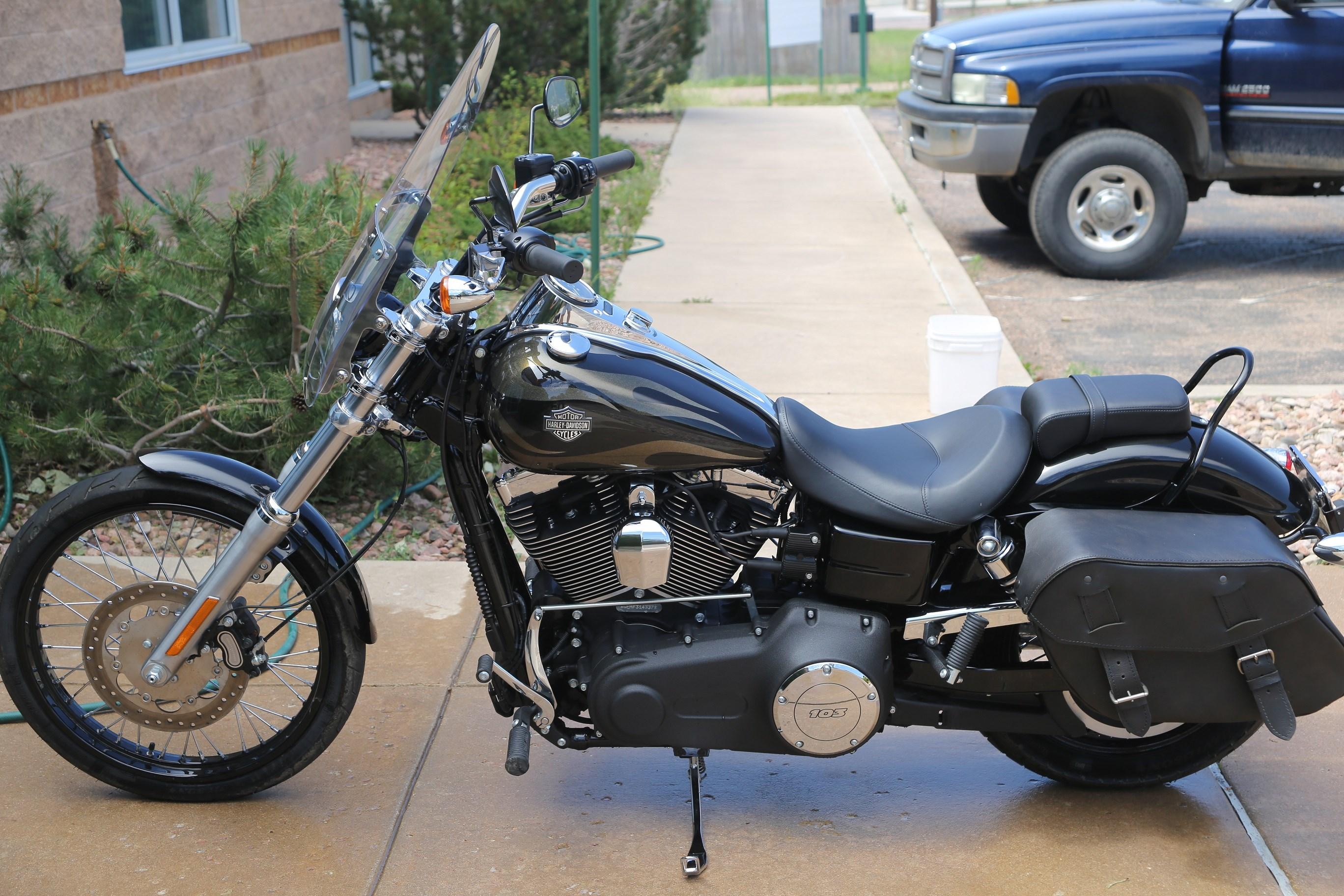 2015 Harley-Davidson® FXDWG Dyna® Wide Glide® (black/gold ...