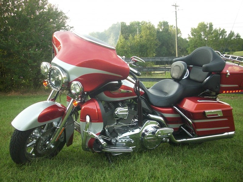 Photo of a 2008 Harley-Davidson® FLHTCUSE3 Screamin' Eagle Ultra Classic®