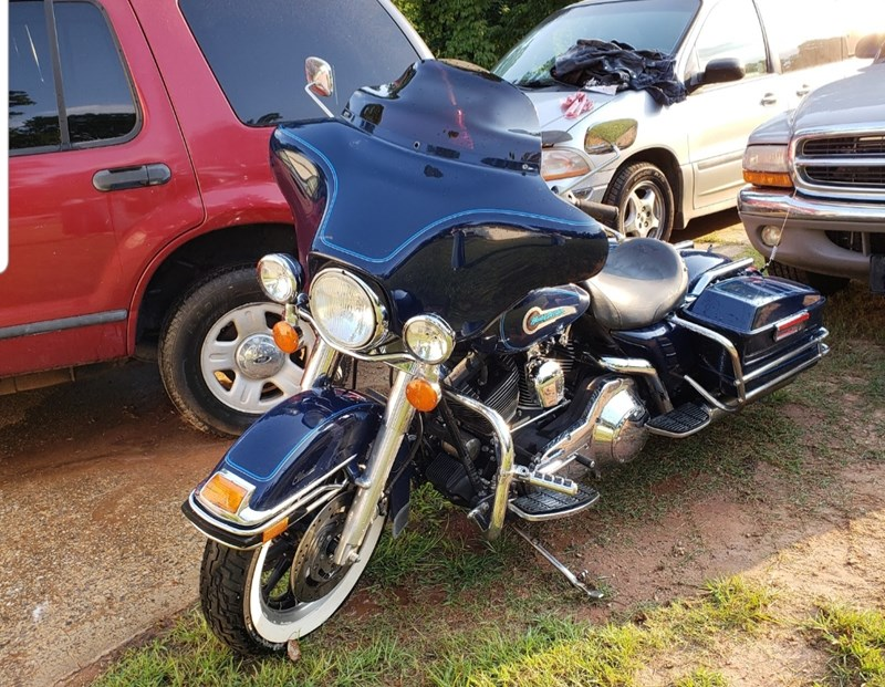 Photo of a 2002 Harley-Davidson® FLHTC/I Electra Glide® Classic Shrine Edition