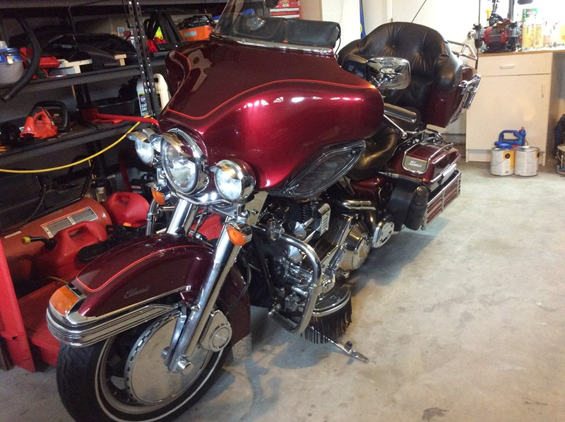 Photo of a 2003 Harley-Davidson® FLHTC/I Electra Glide® Classic