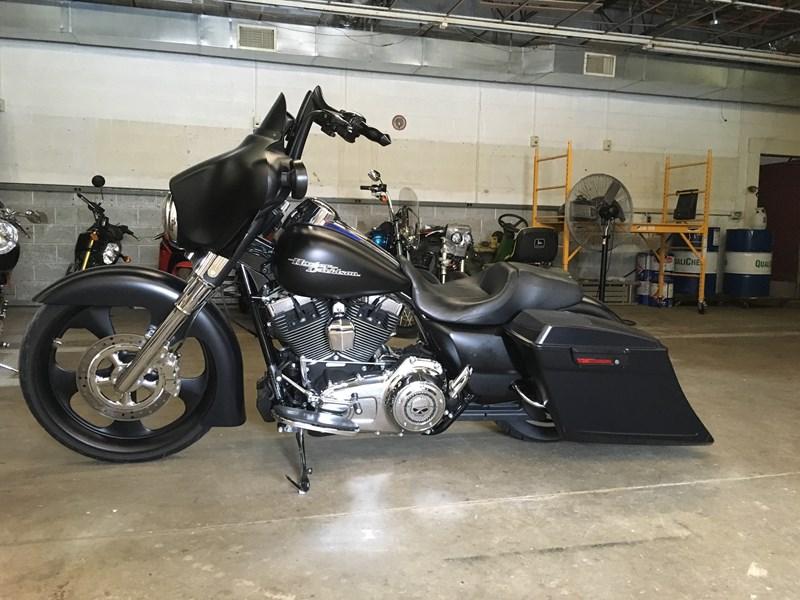 2013 Harley Davidson Flhx Street Glide Flat Black Red Wing