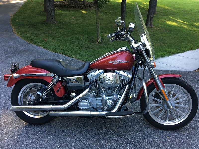Photo of a 2004 Harley-Davidson® FXD/I Dyna Super Glide®