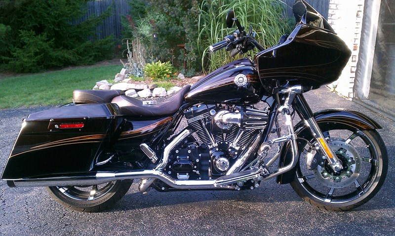 Photo of a 2012 Harley-Davidson® FLTRXSE CVO™ Road Glide® Custom