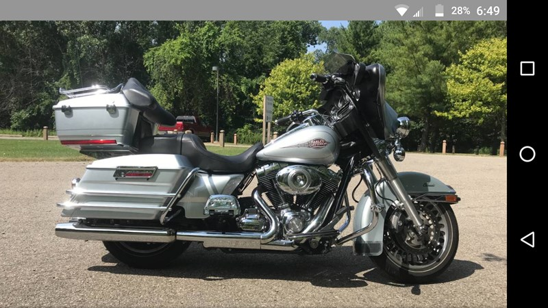 Photo of a 2011 Harley-Davidson® FLHTC Electra Glide® Classic