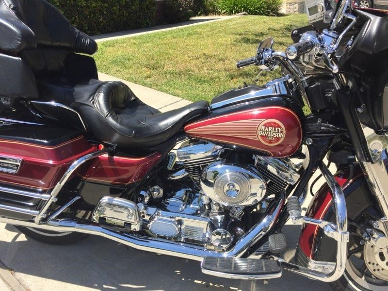 Photo of a 1995 Harley-Davidson® FLHTCUI Ultra Classic® Electra Glide Anniversary
