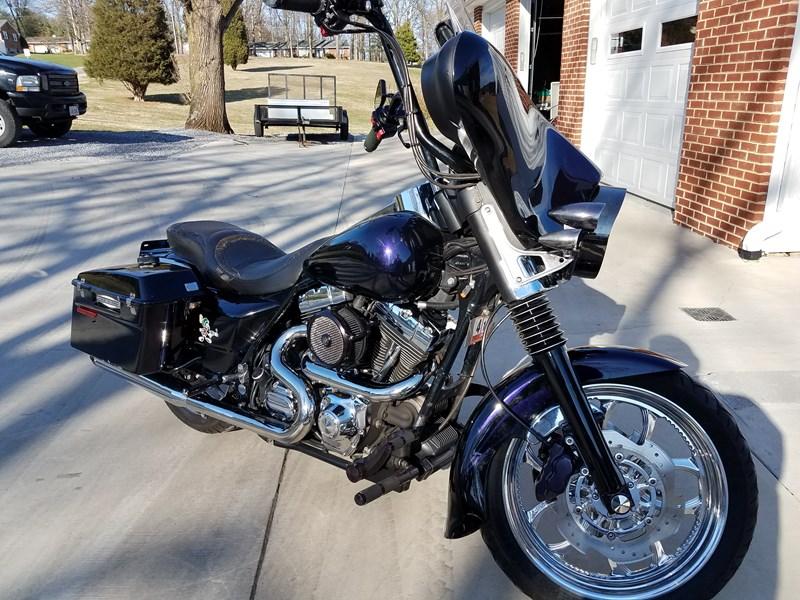 Photo of a 2002 Harley-Davidson® FLHTPI Electra Glide® Police