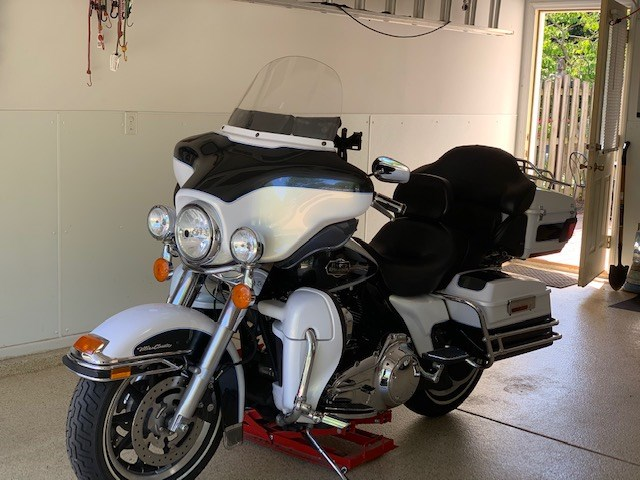 Photo of a 2008 Harley-Davidson® FLHTC Electra Glide® Classic
