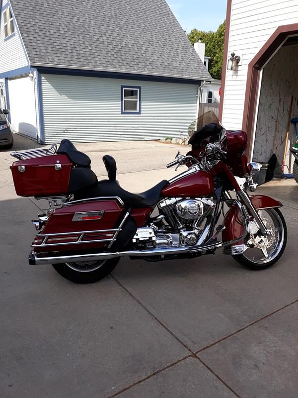Photo of a 2004 Harley-Davidson® FLHTCU/I Ultra Classic® Electra Glide®