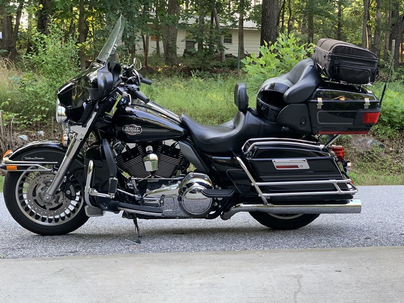 Photo of a 2010 Harley-Davidson® FLHTCU Ultra Classic® Electra Glide®