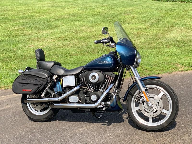 Photo of a 2001 Harley-Davidson® FXDXT Dyna Super Glide® T-Sport