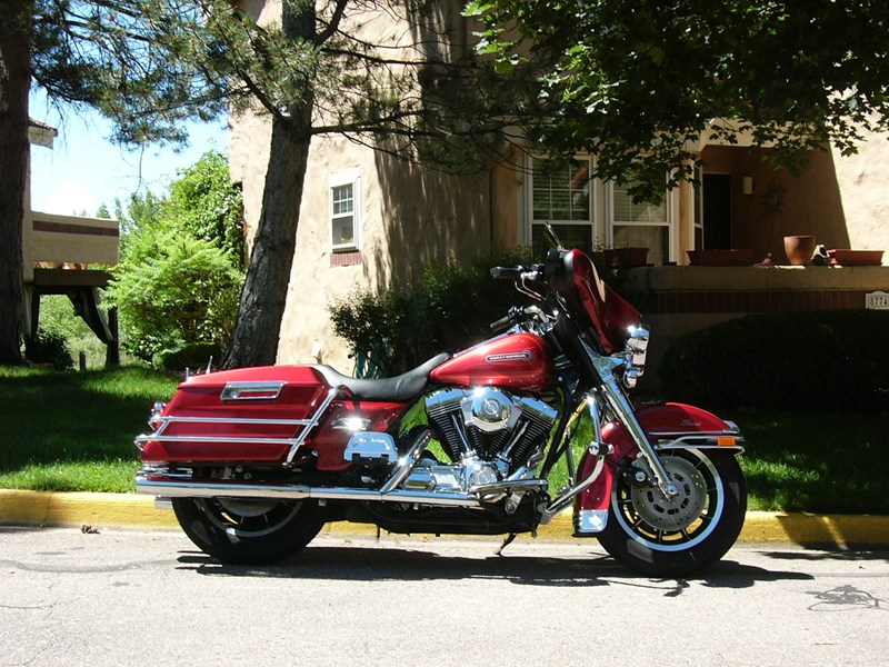 Photo of a 1999 Harley-Davidson® FLHTC Electra Glide® Classic