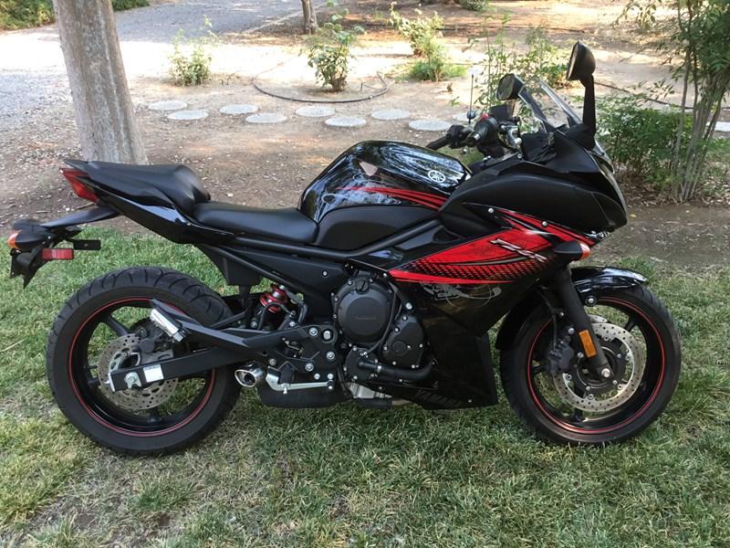 Photo of a 2012 Yamaha FZ6R