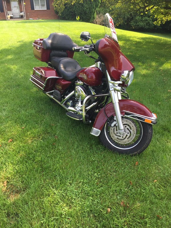 Photo of a 2006 Harley-Davidson® FLHTCI Electra Glide® Classic