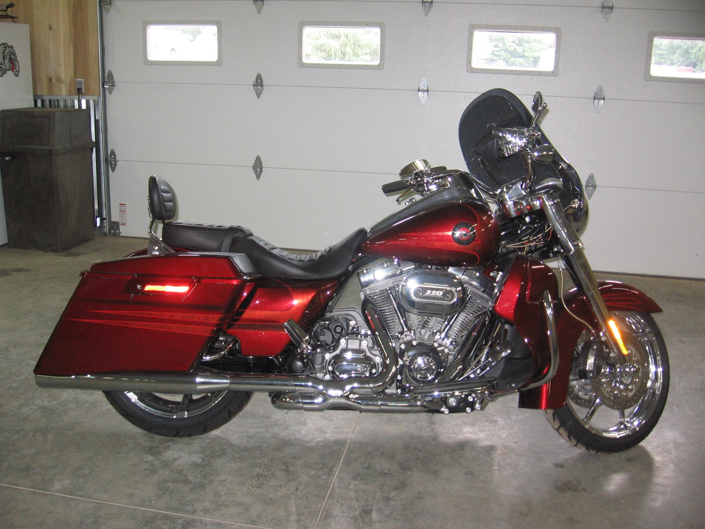 harley davidson cvo road king for sale 22 bikes page 1. Black Bedroom Furniture Sets. Home Design Ideas
