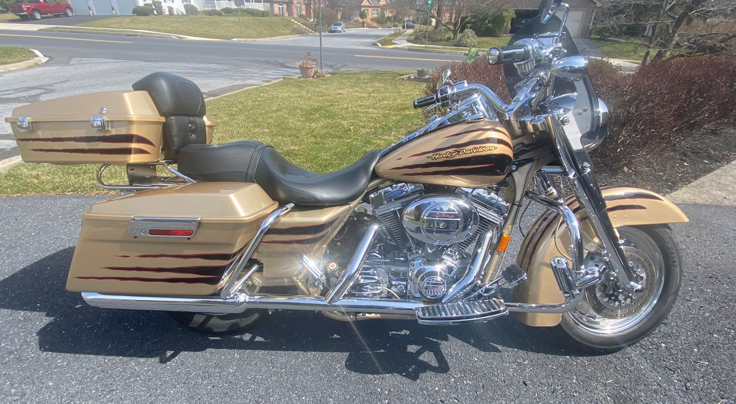 Photo of a 2003 Harley-Davidson® FLHRSEI2 Screamin' Eagle® Road King®