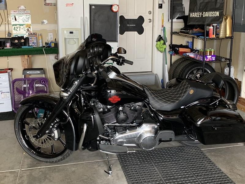2019 Harley-Davidson® FLHT Electra Glide Standard