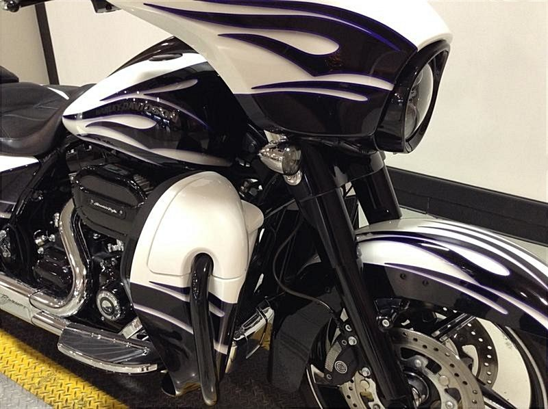 Photo of a 2016 Harley-Davidson® FLHXSE CVO™ Street Glide®