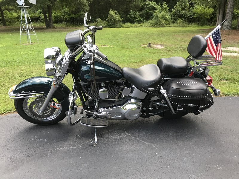 Photo of a 2001 Harley-Davidson® FLSTC/I Heritage Softail® Classic