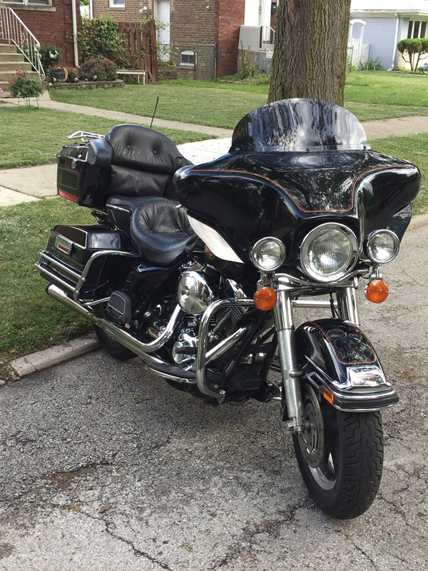 Photo of a 2001 Harley-Davidson® FLHTCU/I Ultra Classic® Electra Glide®