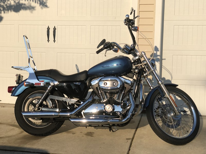 Photo of a 2006 Harley-Davidson® XL1200C Sportster® 1200 Custom