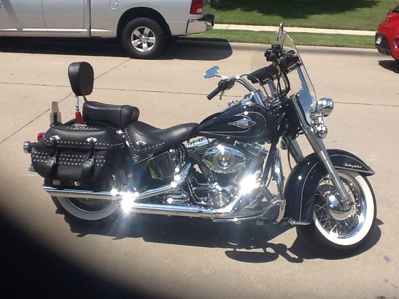 2009 Harley-Davidson® FLSTC Heritage Softail® Classic (Black ...