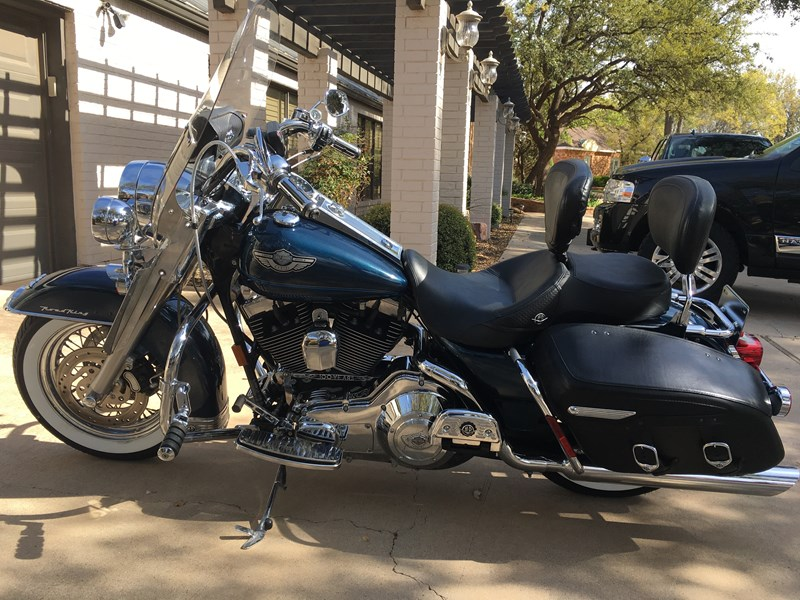Photo of a 2002 Harley-Davidson® FLHRC/I Road King® Classic