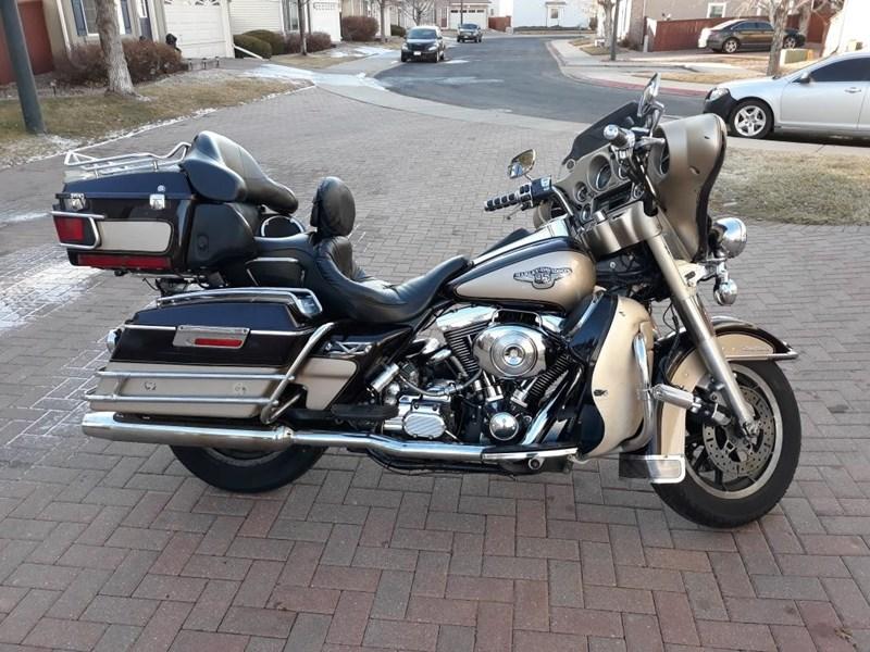 Photo of a 1998 Harley-Davidson® FLHTCU/I-ANV Electra Glide® Ultra Classic® Anniversary