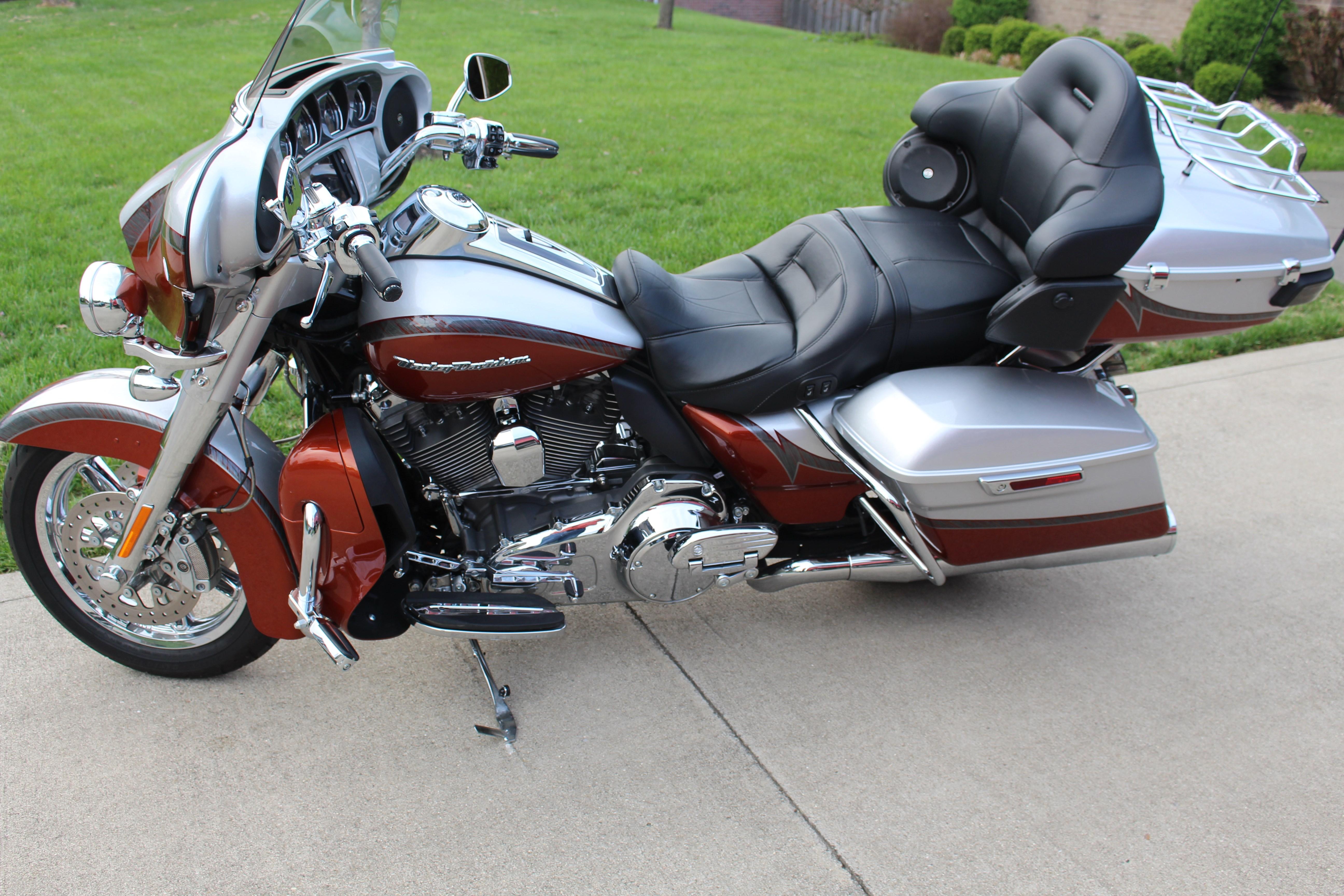 2014 Harley Davidson 174 Flhtkse Cvo 174 Electra Glide 174 Ultra