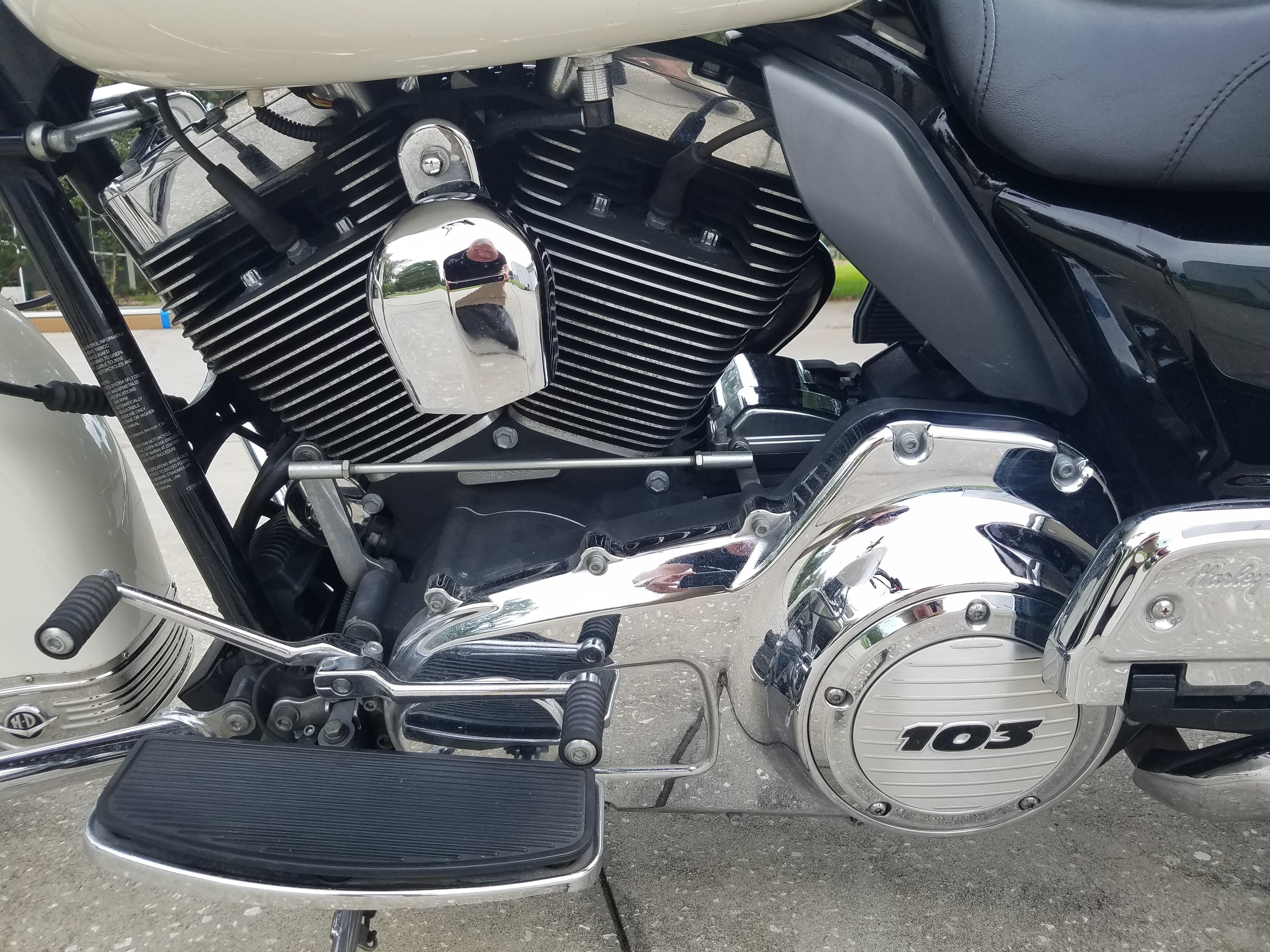 2010 Harley Davidson 174 Flhp Road King 174 Police White Lutz