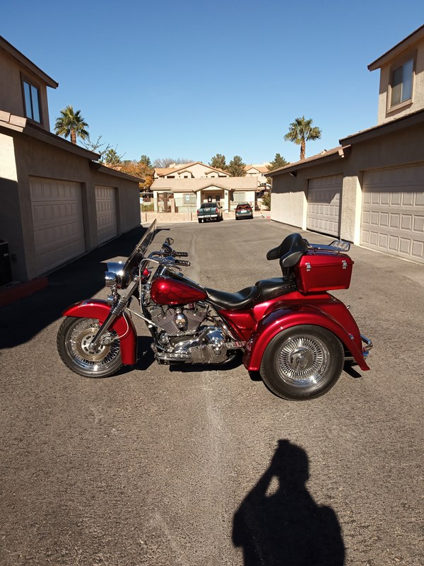 Photo of a 1999 Harley-Davidson® FLHRCI Road King® Classic