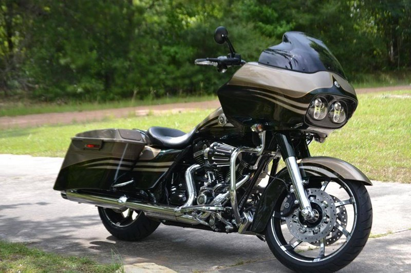 Photo of a 2013 Harley-Davidson® FLTRXSE2 CVO™ Road Glide® Custom